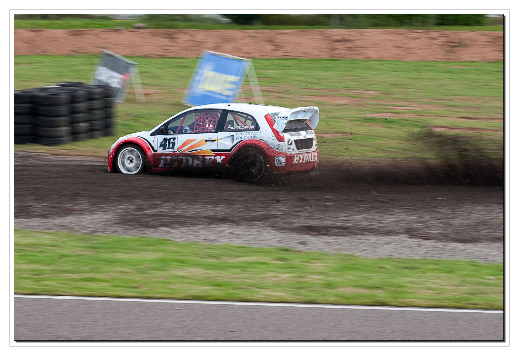 IMAGE: http://www.mark.colston-online.co.uk/Motorsport/Mallory%20Park/Rally%20Cross%202009/slides/IMG_5565%20EOS-1D%20Mark%20III%20copy.jpg
